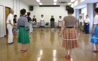 folkdance2